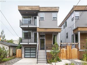 Photo of 3529 SE Yamhill ST, Portland, OR 97214 (MLS # 19136532)