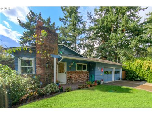 Photo of 8231 SW CAPITOL HWY, Portland, OR 97219 (MLS # 19118533)