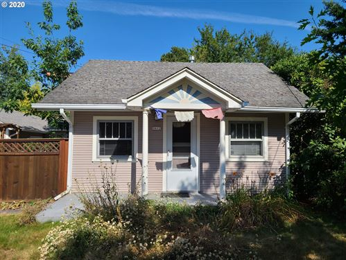 Photo of 3612 NE 44TH AVE, Portland, OR 97213 (MLS # 20034536)