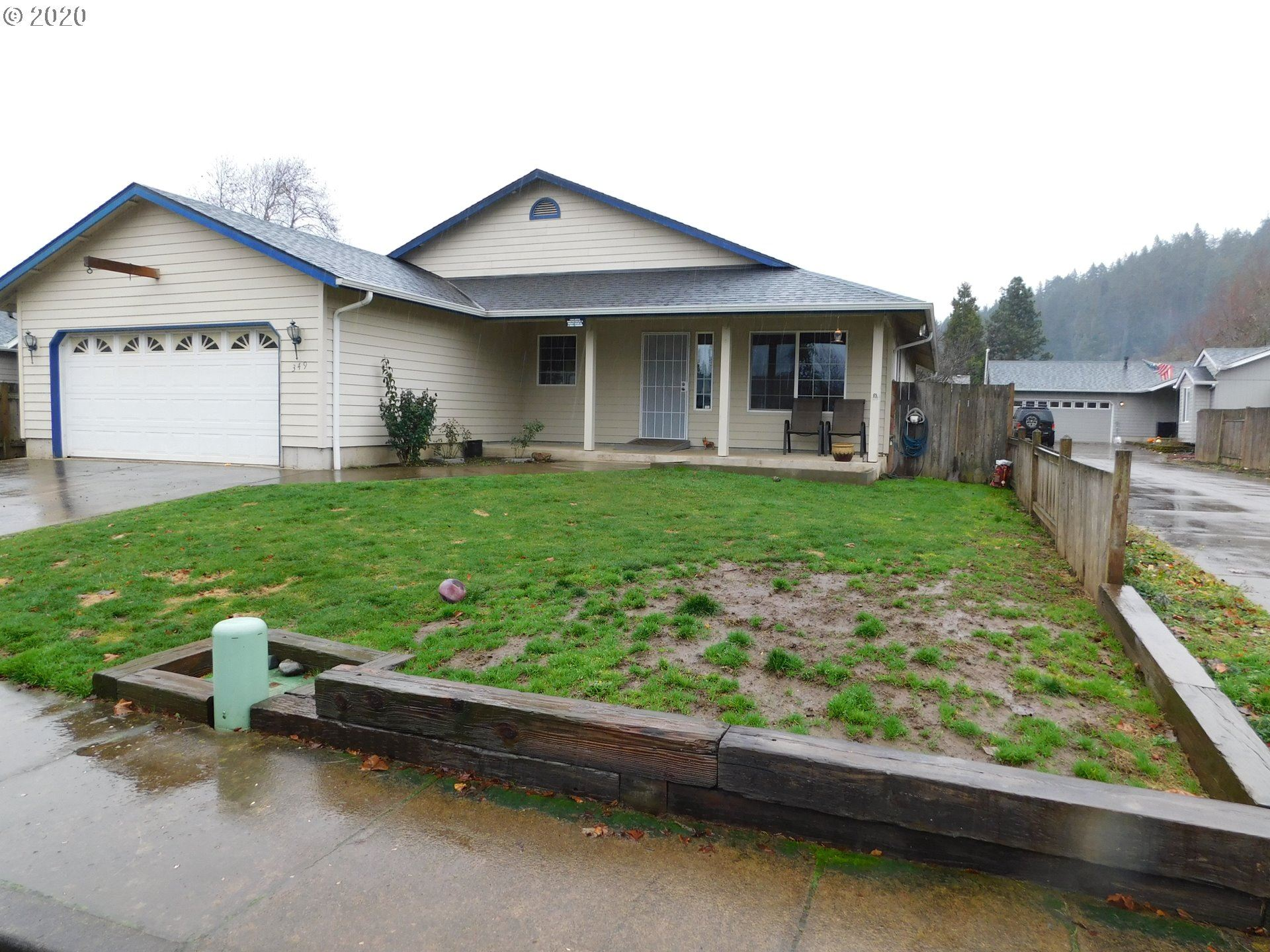 Photo for 349 MARY NEAL LN, Creswell, OR 97426 (MLS # 20338536)