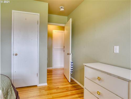 Tiny photo for 16327 SE MORRISON ST, Portland, OR 97233 (MLS # 21218537)