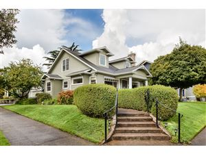 Photo of 5951 SE 19TH AVE, Portland, OR 97202 (MLS # 19357538)