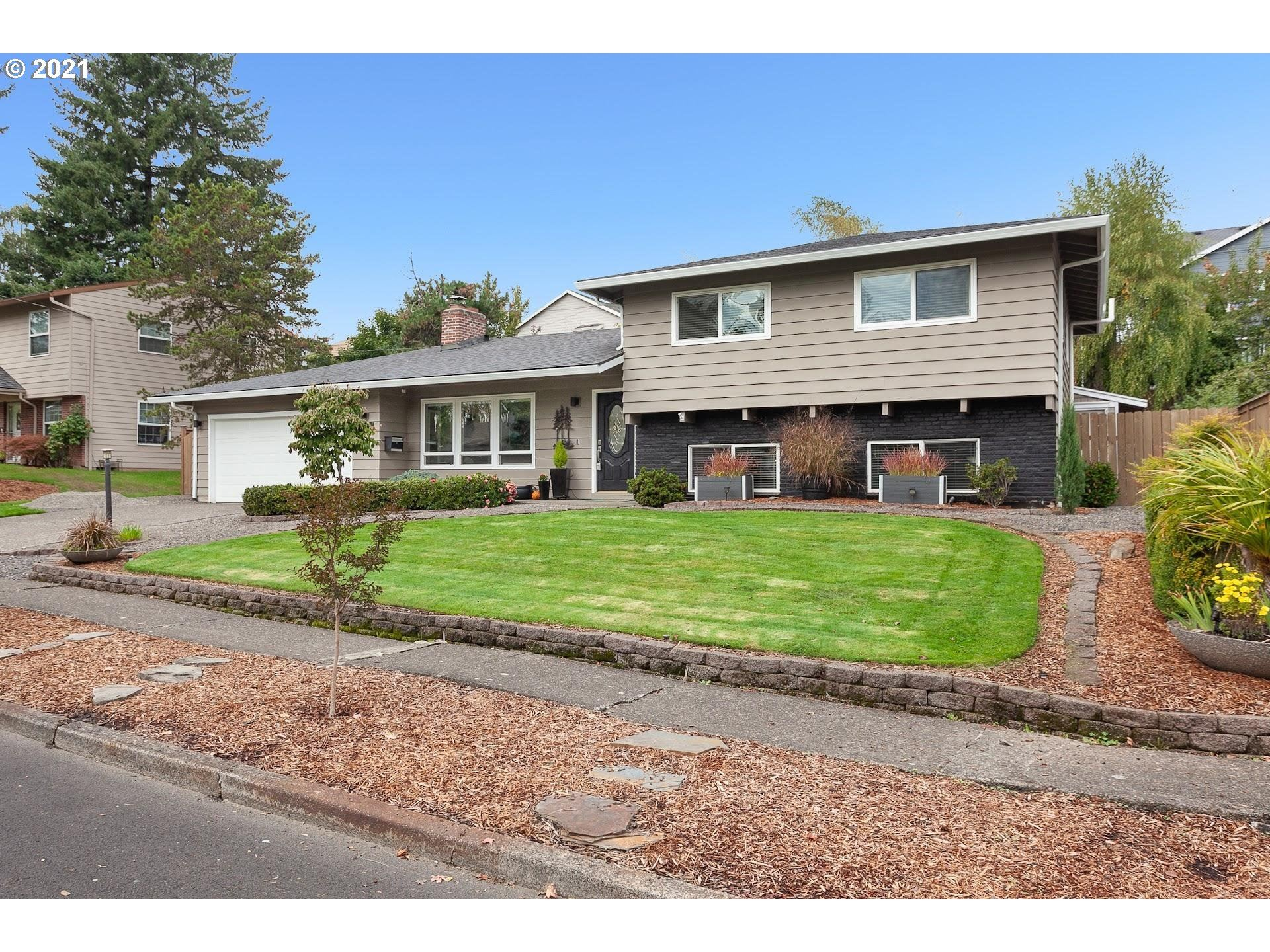 Photo of 11575 SW CLIFFORD ST, Beaverton, OR 97008 (MLS # 21435540)