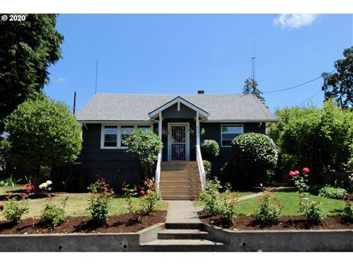 Photo of 922 VAN BUREN ST, Oregon City, OR 97045 (MLS # 20545541)
