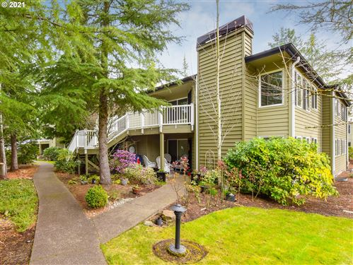 Photo of 5059 FOOTHILLS DR #G, Lake Oswego, OR 97034 (MLS # 21417541)