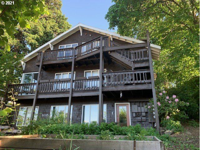 Photo for 1015 MONTELLO, Hood River, OR 97031 (MLS # 21279545)