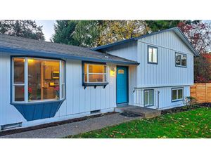 Photo of 6780 MAPLE CT, West Linn, OR 97068 (MLS # 19673550)