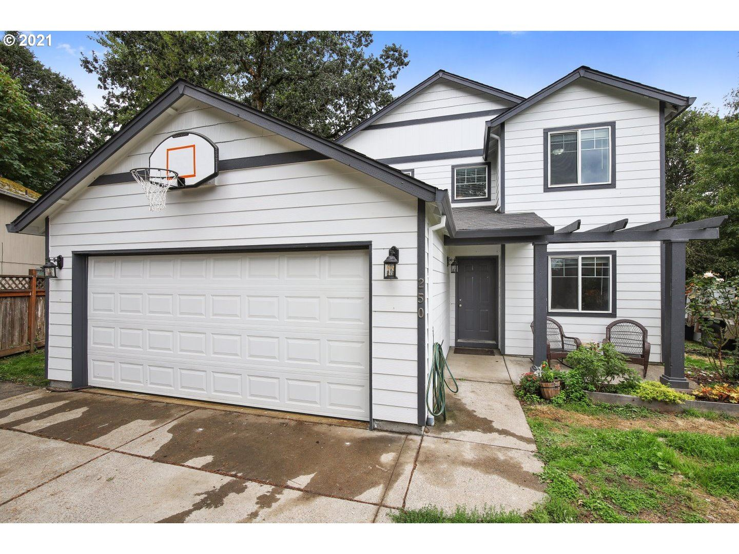Photo of 250 SE EDWARDS DR, Dundee, OR 97115 (MLS # 21539551)