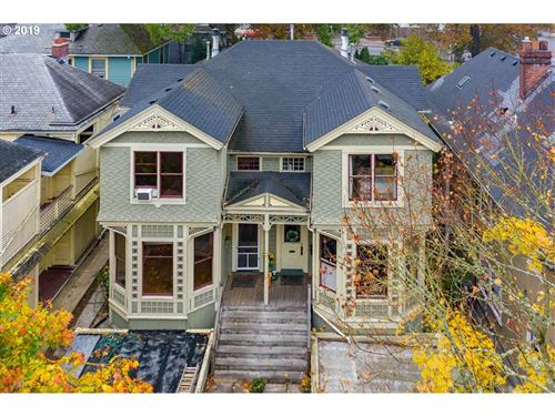 Photo of 3327 SW WATER AVE, Portland, OR 97239 (MLS # 19692552)