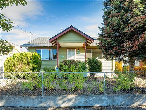 Photo of 735 NE KILLINGSWORTH ST, Portland, OR 97211 (MLS # 21490553)