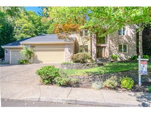 Photo of 1337 STONEHAVEN DR, West Linn, OR 97068 (MLS # 19529554)