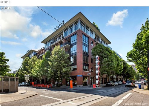 Photo of 1030 NW JOHNSON ST 217 #217, Portland, OR 97209 (MLS # 19181555)