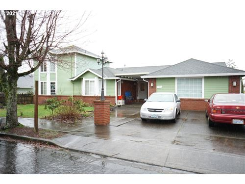 Photo of 2746 NW 20TH AVE, Camas, WA 98607 (MLS # 21204557)