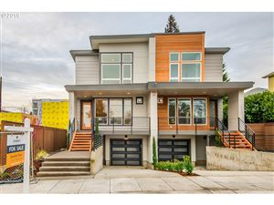 Photo of 2526 SE 28TH PL, Portland, OR 97202 (MLS # 19362558)
