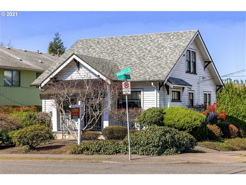 Photo of 6055 E BURNSIDE ST, Portland, OR 97215 (MLS # 20688558)