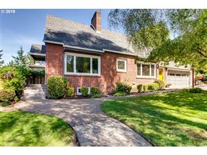 Photo of 6120 SW 30TH AVE, Portland, OR 97239 (MLS # 19426559)
