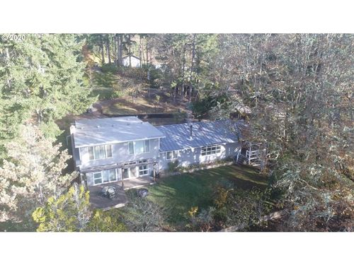 Photo of 48362 ROBERTS RD, Oakridge, OR 97463 (MLS # 20413561)
