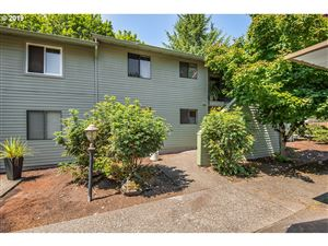 Photo of 5160 SW 180TH AVE #3, Beaverton, OR 97078 (MLS # 19120562)