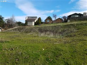 Photo of 428 NW 21ST DR, Pendleton, OR 97801 (MLS # 16196563)