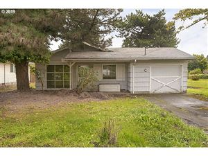 Photo of 828 SE 146TH AVE, Portland, OR 97233 (MLS # 19195564)