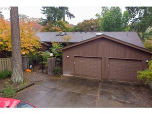 Photo of 11390 SW FOOTHILL DR, Portland, OR 97225 (MLS # 19331564)