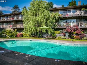 Photo of 16250 PACIFIC HWY 71 #71, Lake Oswego, OR 97034 (MLS # 19316565)