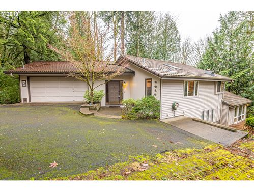 Photo of 4016 SW PATTON RD, Portland, OR 97221 (MLS # 19153566)