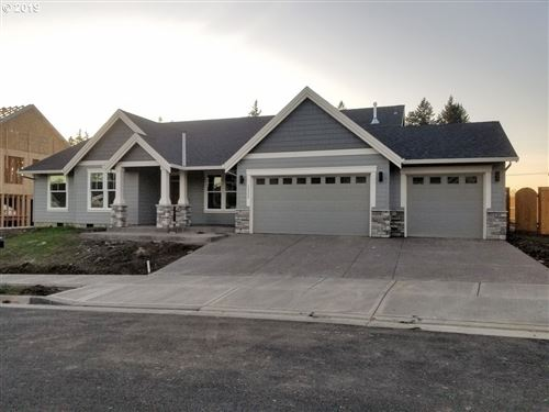 Photo of 12855 Sprout, Milwaukie, OR 97222 (MLS # 19357566)
