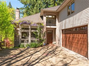 Photo of 3197 ALBER SPRING CT, Lake Oswego, OR 97034 (MLS # 19424566)