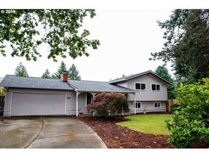 Photo of 19400 SW SOUTHVIEW CT, Aloha, OR 97078 (MLS # 19284569)