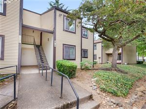 Photo of 2706 SE 138TH AVE 33 #33, Portland, OR 97236 (MLS # 19607569)