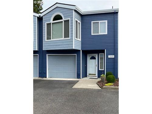 Photo of 16695 NE HALSEY ST #3, Portland, OR 97230 (MLS # 20208569)