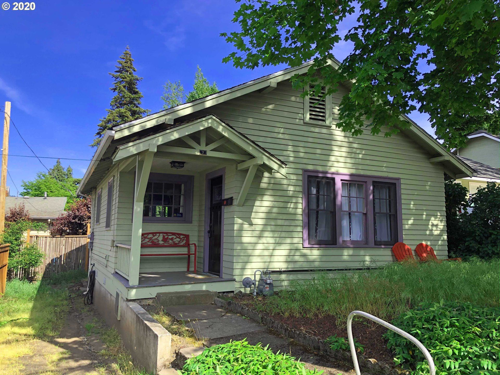 Photo of 7 10TH ST, Hood River, OR 97031 (MLS # 20238571)