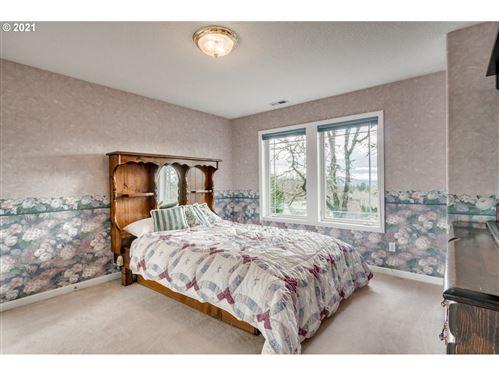 Tiny photo for 5 Mountain View LN, Lake Oswego, OR 97035 (MLS # 21642572)