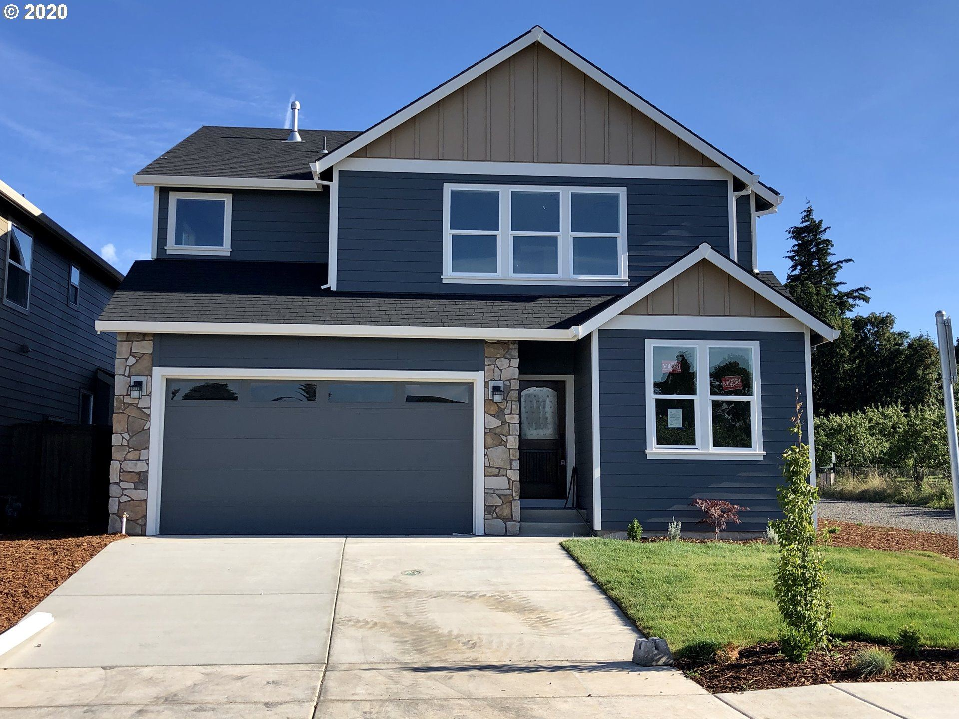 Photo of 2739 Emmie DR, Hood River, OR 97031 (MLS # 20382572)