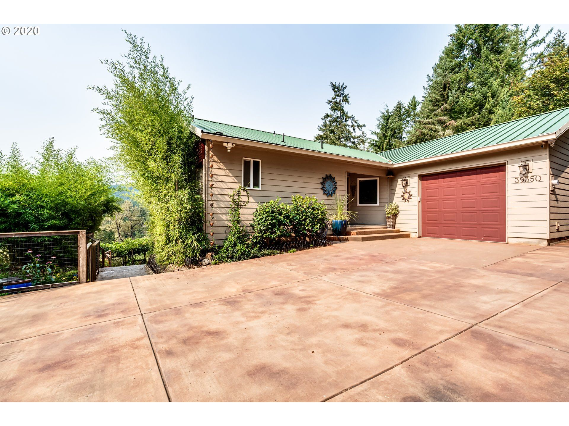 Photo for 39350 EAGLES REST RD, Dexter, OR 97431 (MLS # 20421574)
