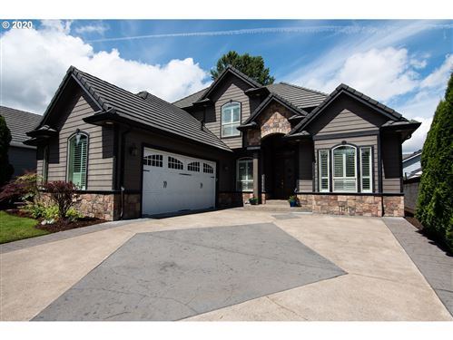 Photo of 249 PEBBLE BEACH DR, Creswell, OR 97426 (MLS # 20361577)