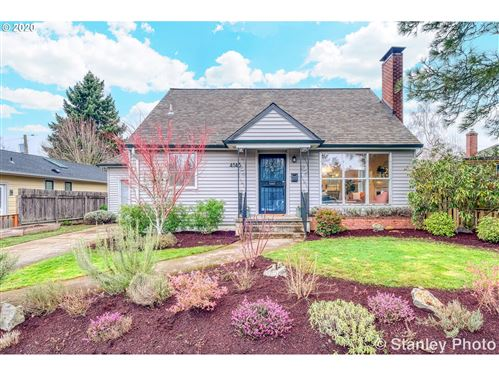 Photo of 4145 SE LAMBERT ST, Portland, OR 97202 (MLS # 20146585)