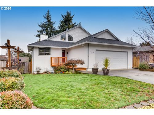 Photo of 16261 SW BRIDLE HILLS DR, Beaverton, OR 97007 (MLS # 19567586)