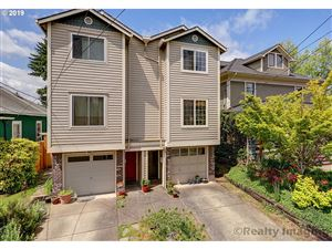 Photo of 8113 SE 16TH AVE, Portland, OR 97202 (MLS # 19485591)