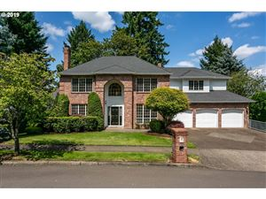 Photo of 2860 CARRIAGE WAY, West Linn, OR 97068 (MLS # 19631591)