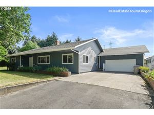 Photo of 13985 SW RIVER LN, Tigard, OR 97224 (MLS # 19187592)