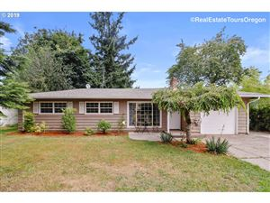 Photo of 16435 SE MILL ST, Portland, OR 97233 (MLS # 19246594)