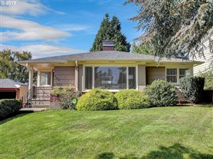Photo of 105 SE 50TH AVE, Portland, OR 97215 (MLS # 19068595)