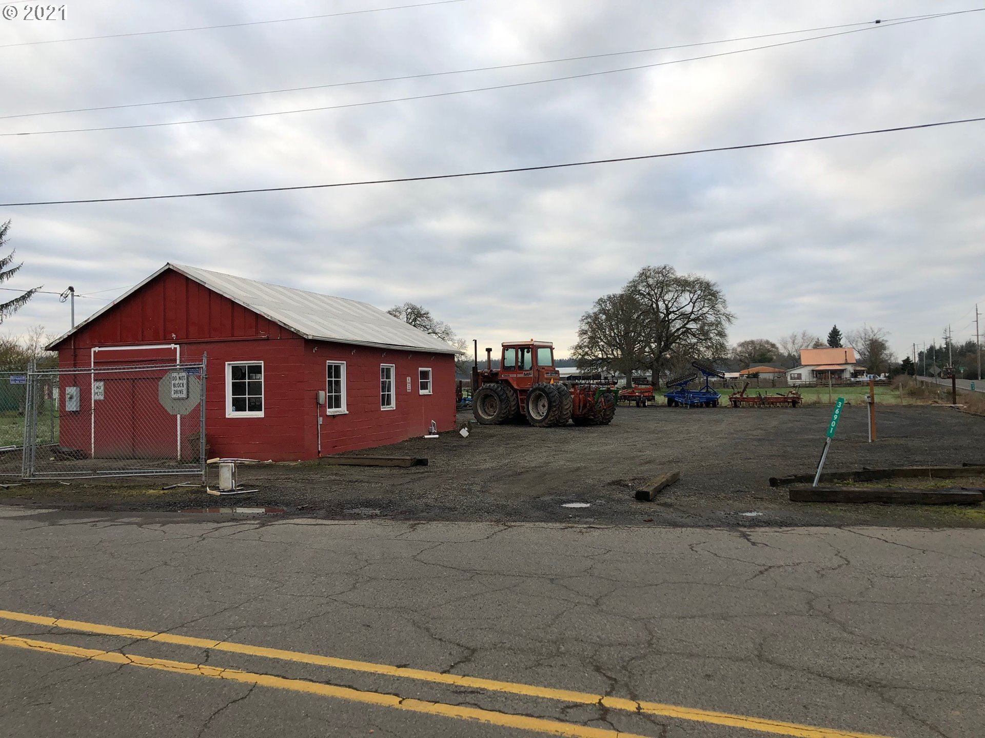 Photo of 36901 S NOWLENS BRIDGE RD, Molalla, OR 97038 (MLS # 21658595)