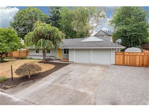 Photo of 8372 SE JENNINGS AVE, Milwaukie, OR 97267 (MLS # 19689598)