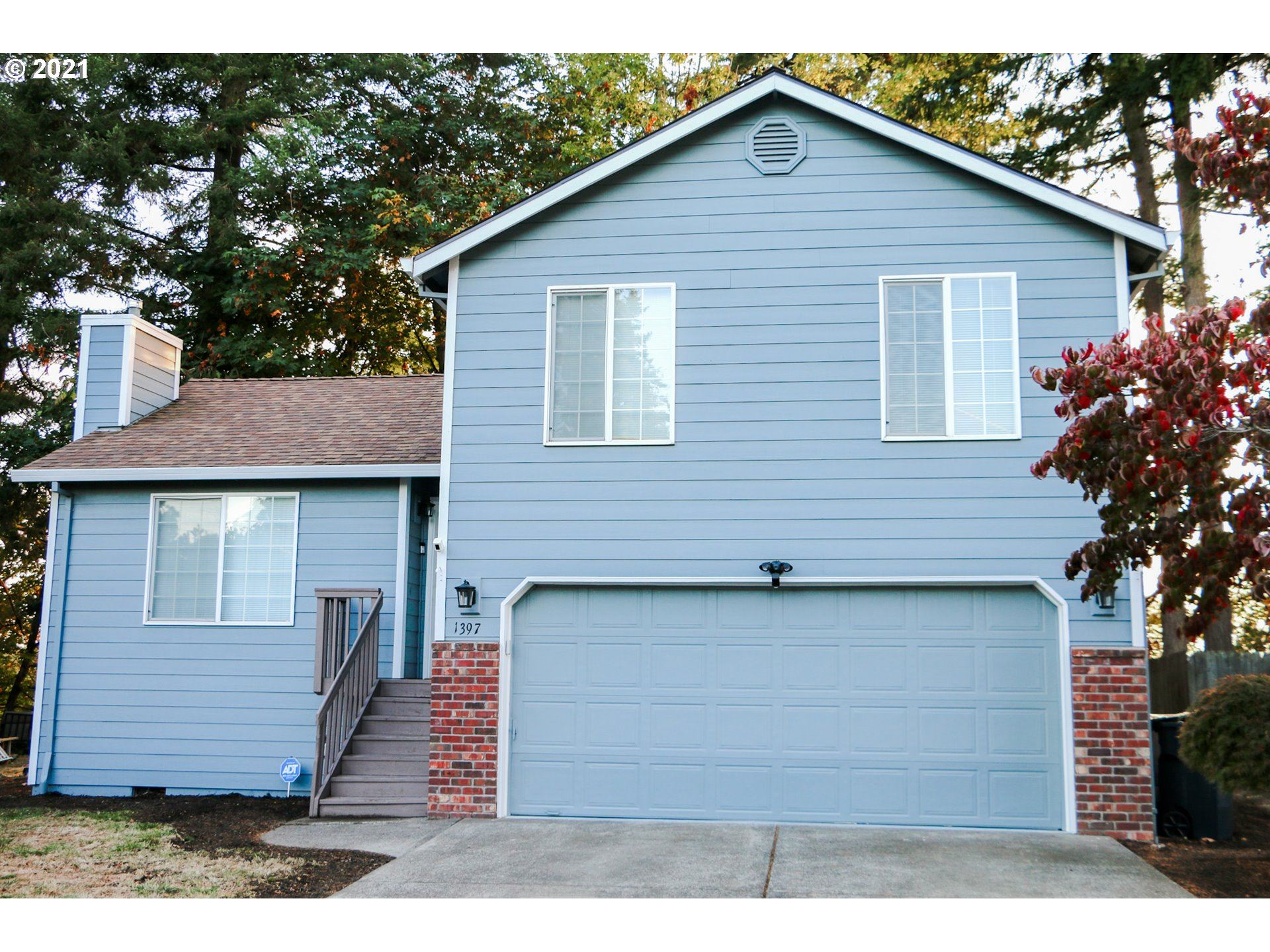 Photo of 1397 S BIRCH CT, Canby, OR 97013 (MLS # 21424598)