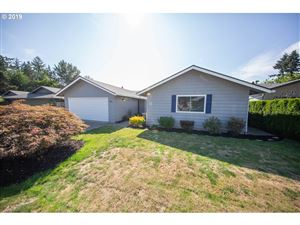 Photo of 6011 SW 173RD AVE, Beaverton, OR 97007 (MLS # 19331601)