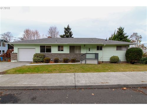 Photo of 1401 E 16TH ST, The Dalles, OR 97058 (MLS # 19429603)