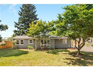 Photo of 2625 SE 151ST AVE, Portland, OR 97236 (MLS # 19111604)
